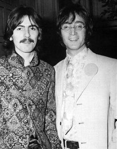 George and John - Dec 1967 at a Beatles Fan Club Secretaries party Les Beatles, John Lennon Beatles, Jhon Lennon, George Harrison, Liverpool, Lennon And Mccartney, Beatles Photos, Thing 1, Actor
