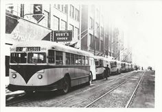 Curbliner, electric bus, Downtown Des Moines, 1950's ...