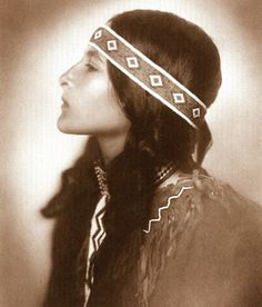 Little Bird. An Ojibwe woman. 1908. Photo by Roland W. Reed.