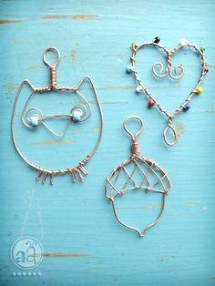 Wire art. Loving that owl :)