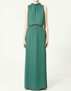 Vestido de Zara del año pasado. Y puesto queda increíble!
