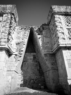Uxmal - Yucatan - Mexico by Nonimous Tikal, Machu Picchu, Mayan History, Mayan Cities, Site Archéologique, Equador, Mayan Ruins, Archaeological Site, Ancient Civilizations