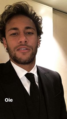 Neymar da Silva Santos Júnior, allgemein bekannt als Neymar oder Neymar Jr. Neymar Jr, Neymar Football, Football Boys, Neymar Memes, Messi Soccer, Paris Saint, Saint Germain, National Football Teams, Boyfriends