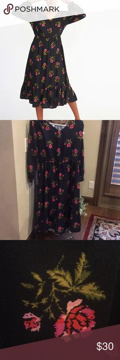 Old Navy Floral Cinch-Waist Dress Sz-MPetite NWT Old Navy floral cinch-waist crepe dress with a ruffle hem.  Dress is midi length and has never been worn.  Tag is still attached.  Size is a Medium Petite. Old Navy Dresses Midi