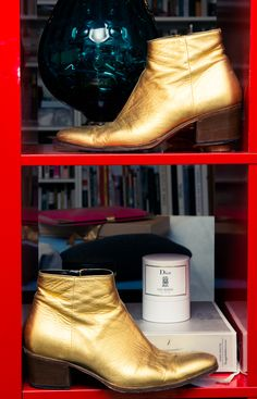 Nothing like a metallic Dior boot to instill Ziggy Stardust vibes. http://www.thecoveteur.com/alexander-fury/