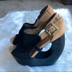 """Jeffrey Campbell """"Rockview"""" heels Sz 9. Genuine suede. Clean, Smoke Free Home.  All Sales Final.  Fast Ship! Thanks! Check out my other items!                                                ✨✨✨✨✨15% off when bundled with another listing ✨✨✨✨  **NO TRADES or HOLDS PLZ** **will not reply to """"lowest""""** Jeffrey Campbell Shoes Platforms"""