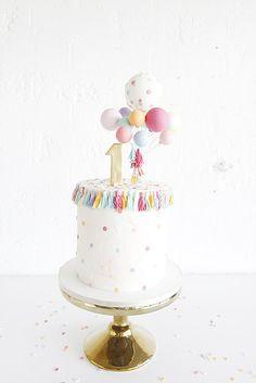 The birthday ❤️ - Kindergeburtstag - Ideen Pretty Cakes, Cute Cakes, Beautiful Cakes, Baby Birthday Cakes, Birthday Parties, Bolo Cake, Girl Cakes, Celebration Cakes, Cake Designs
