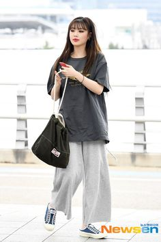 Korean Airport Fashion, Asian Fashion, Look Fashion, Daily Fashion, Fashion Design, Fashion Trends, Curvy Fashion, Fashion Bloggers, Fashion Idol