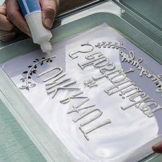 Schriftzug mit Beton-Liner nachfahren