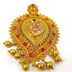 Mugappu and antique pendants-gold-pendants1-17-.jpg