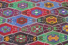 VINTAGE Turkish Kilim Rug Handwoven Kilim Rug