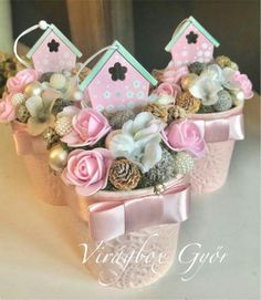 Украшения на Пасху Clay Pot Crafts, Diy And Crafts, Liquor Bouquet, Flower Packaging, Vintage Easter, Paper Roses, Spring Crafts, Flower Crafts, Easter Crafts