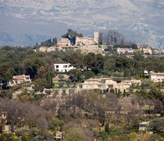 Mougins, inland close to Cannes, wouldn't mind living there..!