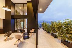 Galería de Edificio PORTIMAO / Esteban Duthan + Shaell Duthan - 5
