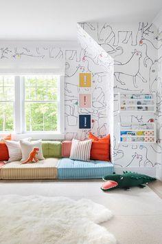 Westchester Traditional — Chango & Co Architecture, Interior Design, Custom Furniture Design & Art Curation by Chango & Co.  Construction by Gilead Construction, Inc.  Photography by Sarah Elliott