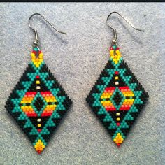Native American Seed Bead Earring Patterns and Tutorials Beaded Earrings Native, Beaded Earrings Patterns, Native Beadwork, Native American Beadwork, Bracelet Patterns, Native American Earrings, Beaded Necklaces, Native Beading Patterns, Beadwork Designs