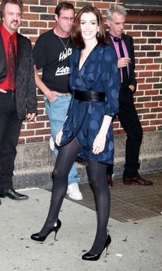 """Anne Hathaway Photos Photos - Anne Hathaway and The Virgins at the """"Late Show with David Letterman"""" in New York City. - Anne Hathaway At The 'Late Show With David Letterman' Actriz Anne Hathaway, Anne Hathaway Style, Anne Hathaway Photos, Anne Hathaway Legs, Pantyhose Outfits, Black Pantyhose, Black Tights, Amanda Seyfried, Anne Hattaway"""