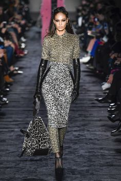 https://www.vogue.com/fashion-shows/fall-2018-ready-to-wear/max-mara/slideshow/collection#7