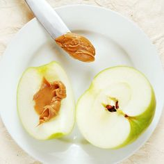 Power up like a pro with apples and peanut butter.