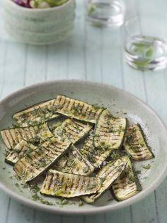 Courgettes au barbecue - Recette de cuisine Marmiton : une recette