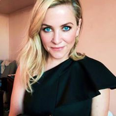 """calzona-ga: """" """"tinaturnbowmup: Love working with this headed to the premiere of me using soft sand & truly charming. Jessica Capshaw, Grey Anatomy Quotes, Greys Anatomy, Arizona Robbins, Dark And Twisty, Meredith Grey, Orange Is The New Black, Celebs, Celebrities"""