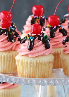 Cupcake recipes 524106475383463536 - Strawberry Sundae Cupcakes – moist vanilla cupcake topped with strawberry milkshake buttercream, chocolate ganache, sprinkles and a cherry! Strawberry Sundae, Strawberry Dessert Recipes, Strawberry Cupcakes, Cupcake Recipes, Baking Recipes, Cupcake Cakes, Gourmet Cupcakes, Flower Cupcakes, Top Recipes