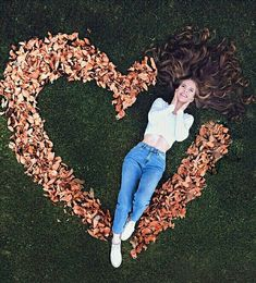 creative photography 15 Ideas For Autumn Photos That You Will Definitely Want To Repeat, 115 , , 1 Autumn Photography, Girl Photography Poses, Tumblr Photography, Creative Photography, Amazing Photography, Photography Courses, Photography Business, Photography Lighting, Photography Backdrops
