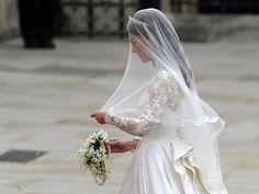 Close-Ups of Kate Middleton's Alexander McQueen Wedding Dress by Sarah Burton Photo 5