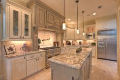 White Cabinets Kitchens Design Ideas, Pictures, Remodel, and Decor