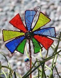 Resultado de imagen para stained glass garden stake