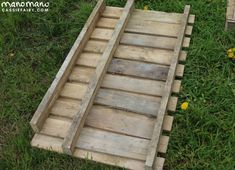 the handy mano manomano diy pallet project measure Outside Planters, Diy Planters Outdoor, Wood Pallet Planters, Fence Planters, Planter Boxes, Planter Garden, Kitchen Garden Plants, Outdoor Pallet Projects, Wood Projects