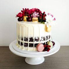 Semi naked & floral chocolate cake #bakeyousmile