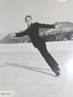 Dick Button is the first American to win an Olympic ice skating title. He is only American to win two Olympic gold medals in figure skating. Olympic Ice Skating, Figure Skating Olympics, History Of Olympics, Olympic Gold Medals, Snowboard Girl, Girls Football Boots, Skate Party, Ice Skaters, Olympic Champion