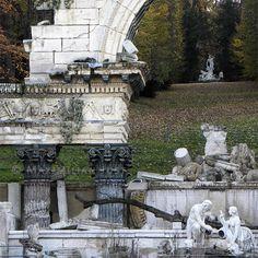 Roman Ruin in Schoenbrunn Park, Vienna (Photo: Maximilian Just)