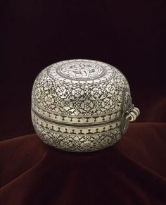 Lime Box: Deccan, India (made) early century (made) Domestic Bidri ware inlaid with silver This box is made using the technique known as bidri, consisting of a zinc alloy with a blackened surface, that originated in the Deccan. Vintage Silver, Antique Silver, Antique Jewelry, Jewellry Box, Indian Crafts, Gold Glass, Tribal Art, 18th Century, Metal Working