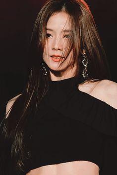 BlackPink / Welcome Blinks🖤💗 ( Blackpink Jisoo, Kpop Girl Groups, Korean Girl Groups, Kpop Girls, Kim Jennie, Gif Black, Black Pink ジス, Blackpink Members, Blackpink Photos