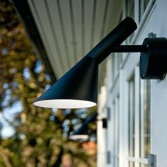 Arne Jacobsen Outdoor Wall Lamp Designer: Arne Jacobsen Manufactured by: Louis Poulsen Dimensions (in): h Arne Jacobsen, Outdoor Wall Lamps, Outdoor Walls, Outdoor Lighting, Lighting Ideas, Modern Lighting, Scandinavia Design, Outdoor Garden Decor, Led Lampe