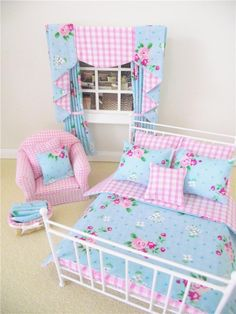 MINIATURE DOLLS HOUSE FURNITURE WIRE DOUBLE  BED DUVET CURTAINS CHAIR BASKET NEW