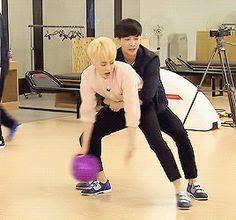 Lay and Minseok so cute haha