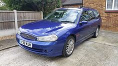 This ford mondeo estate st200 2.5 v6 blue 2000 v reg is for sale.