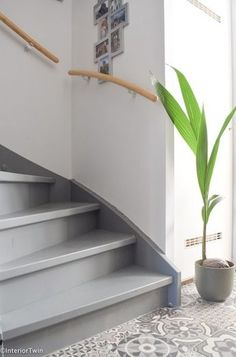 Painted Staircases, Painted Stairs, Interior Stairs, Room Interior, Interior Design, Stairs Colours, Hallway Colours, Concrete Stairs, Stone Stairs