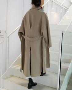 60 Fashion, Fall Fashion Outfits, Minimal Fashion, Winter Fashion, Fashion Design, Long Winter Coats, Winter Coats Women, Coats For Women, Jackets For Women