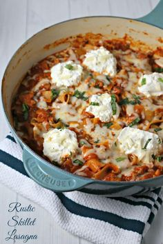 Rustic Skillet Lasagna from CookingInStilettos.com is a delicious and easy weeknight dinner idea. This skillet lasagna recipe goes from stovetop to table in about 30 minutes | Cooking In Stilettos #pregosauce #sponsored