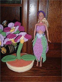 Le défilé des créations -stylistes : Barbie-fleur - Brigitte Crochet, Creations, Gowns, Princess, Barbie Dolls, Blog, Dragon, Create, Tejidos