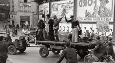 1947: Saint-François, charriage autour d'un événement et réunion quotidienne d'étudiants à midi. DR #Lausanne
