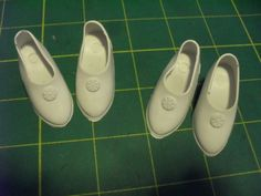 """LIKE 15"""" MISS REVLON, 14"""" TONI SOPHISTICATE, AND MANY OTHERS. SHOES - TWO PAIR LOT - WHITE MOLDED VINYL HIGH HEEL DOLL SHOES - MARKED """"MADE IN USA 15"""" - or """"1 T 0 Hong Kong"""". STANDARD REPLACEMENT SHOES FOR 13"""" 14"""" AND 15"""" HIGH HEEL FOOT DOLLS LIKE 15"""" MISS REVLON, 14"""" TONI SOPHISTICATE AND OTHERS. 