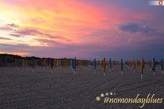 Un piccolo aiuto per questo lunedì mattina! Buona settimana! #mondayblues #buonlunedì #tramonto
