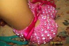 sapatinho em pedraria rosa