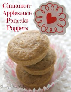 cinnamon-applesauce pancake poppers.  Healthy, freezer-friendly breakfast idea! -canarystreetcrafts.com