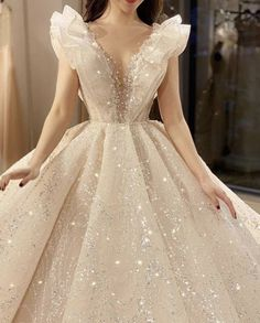 February 28 2020 at fashion-inspo Prom Dresses With Sleeves, Ball Dresses, Evening Dresses, Dream Wedding Dresses, Bridal Dresses, Debut Gowns, Fantasy Gowns, Fairytale Dress, Dream Dress